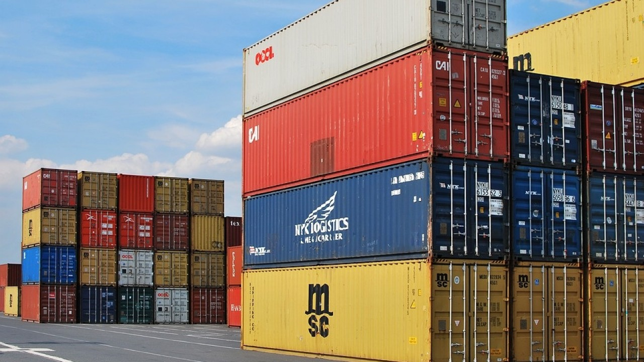 Istat: commercio estero in ripresa