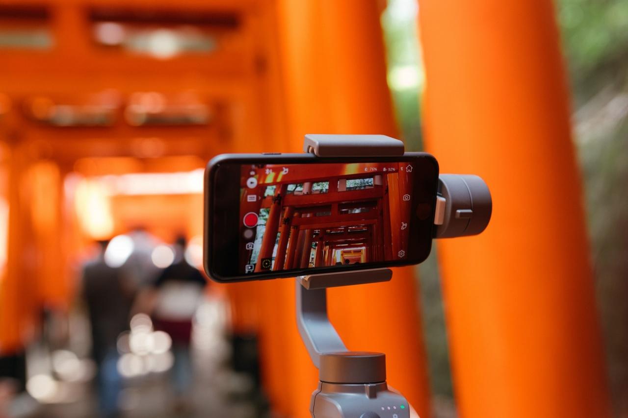 joey huang smartphone unsplash