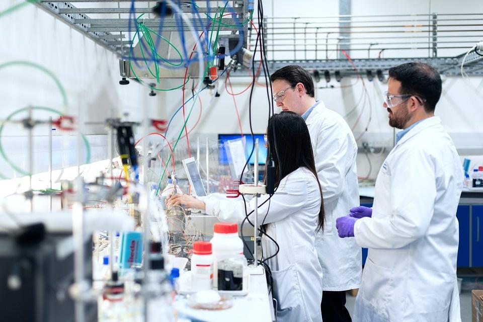 Emilia-Romagna: un bando per lo sviluppo tecnologico nella medicina e farmaceutica