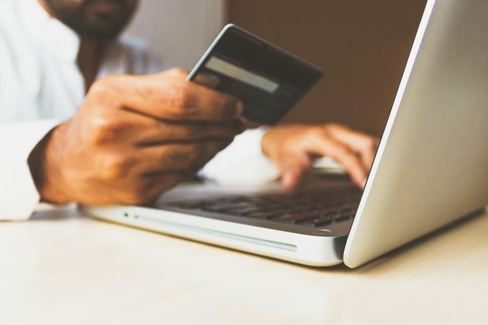 Abi: sempre più digitali i clienti delle banche